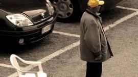 attivita-di-parcheggiatore-abusivo-non-reato-482x270