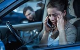 Stalking-il-divieto-di-avvicinamento-alla-vittima-vale-ovunque-370x230